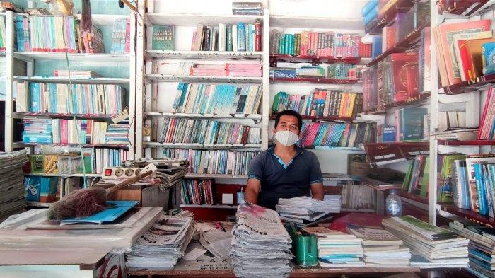 Usaha Toko Buku Yun Agency Mitra Binaan PT Timah Tbk Tetap Bertahan Walau Dihantam Digitalisasi