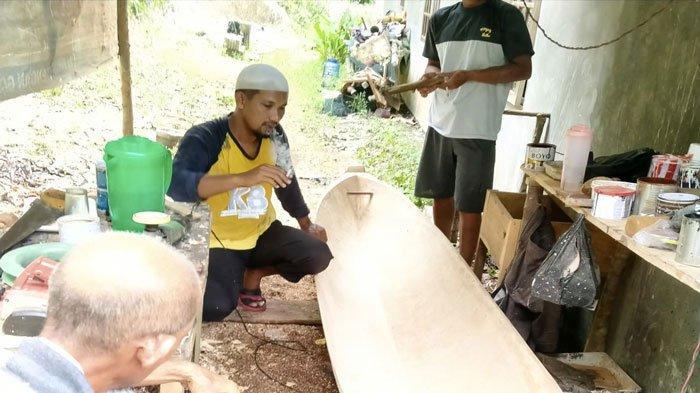 Pemkab Lingga Berhentikan PTT dan THL, H Zulli Banting Setir Jadi Nelayan