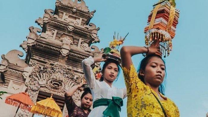 Melihat Keindahan Pura Agung Amerta Bhuana Batam, Punya Padmasana Tertinggi Se-Indonesia
