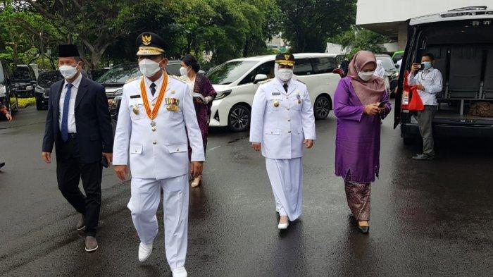 PUTRA Bintan Jadi Gubernur Kepri, Ini Profil Ansar Ahmad, Hidup Prihatin Sejak Kecil. Foto Ansar Ahmad dan Marlin Agustina tiba di Istana Negara Jakarta, Kamis (25/2/2021).