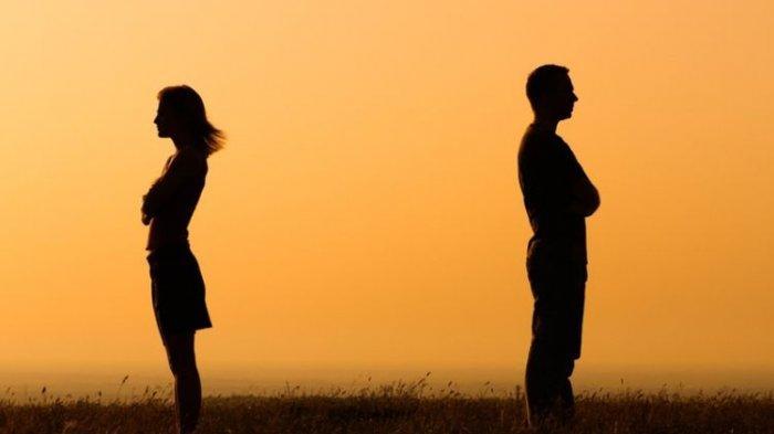 5 Tips untuk STOP Memikirkan Mantan Pacar, Yuk Move On Yuk!