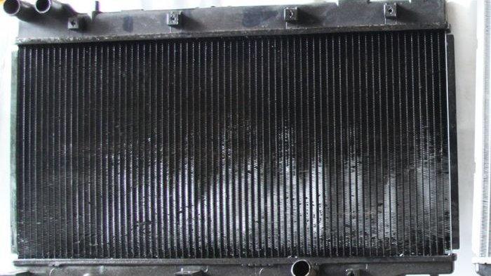 Begini Cara Mudah Mengecek Kondisi Pendinginan Mesin Mobil Melalui Radiator