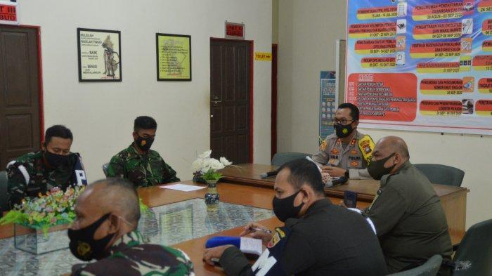 Rapat koordinasi Polres Natuna bersama perwakilan Forkopimda, Kamis (29/4/2021).