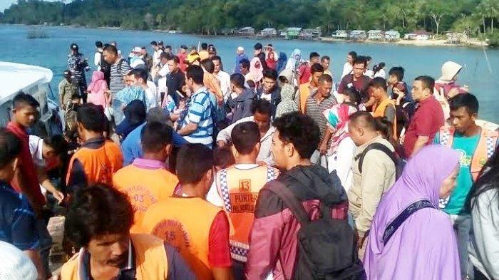 Rapid test di Lingga bagi penumpang jadi sorotan. Tampak masyarakat yang pulang di Pelabuhan Jagoh, Kecamatan Singkep Barat, Kabupaten Lingga, Provinsi Kepri.