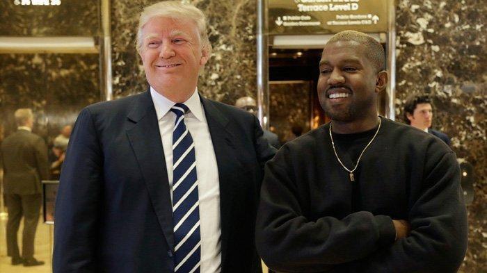 Menulis Pesan Terlalu Sering di Ponsel, Kanye West Terpaksa Masuk Rumah Sakit