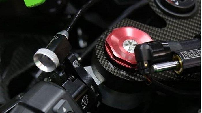 Dengan Alat Ini, Tuas Rem Depan Motor Bisa Diatur Sambil Jalan