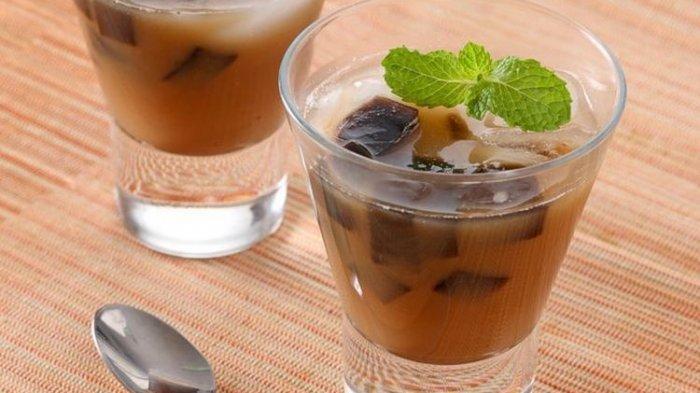 Resep Es Cincau Hitam Kelapa Muda, Rekomendasi Minuman Segar untuk Takjil Buka Puasa