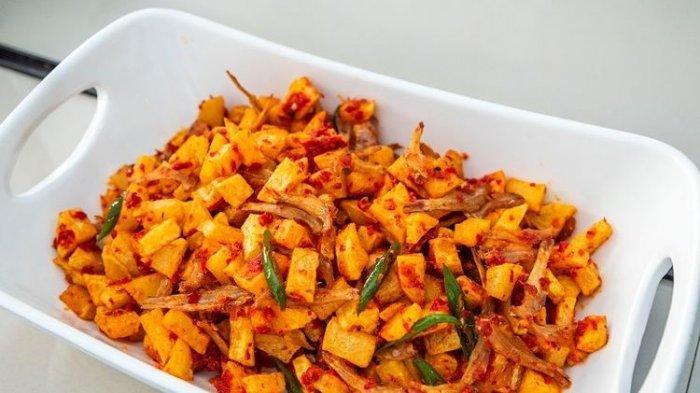 Resep Kentang Balado, Lauk Pelengkap khas Nasi Kotak, Pemula Bisa Coba