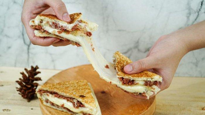 Resep Roti Tawar Panggang Kornet Mozarella, Sandwich Lezat untuk Menu Sarapan Simple