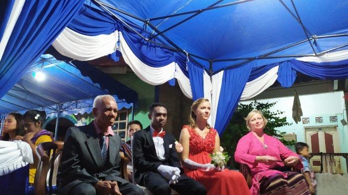 Resepsi Pria Flores Nikahi Bule Perancis di Batam, Marsel & Marie Undang 1.000 Warga Batam