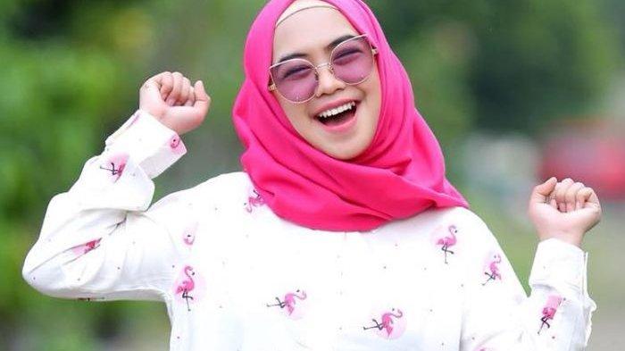 Sambil Menahan Air Mata, Youtuber Ria Ricis Ungkap Hal yang Paling Ia Rindukan Setiap Ramadan Tiba