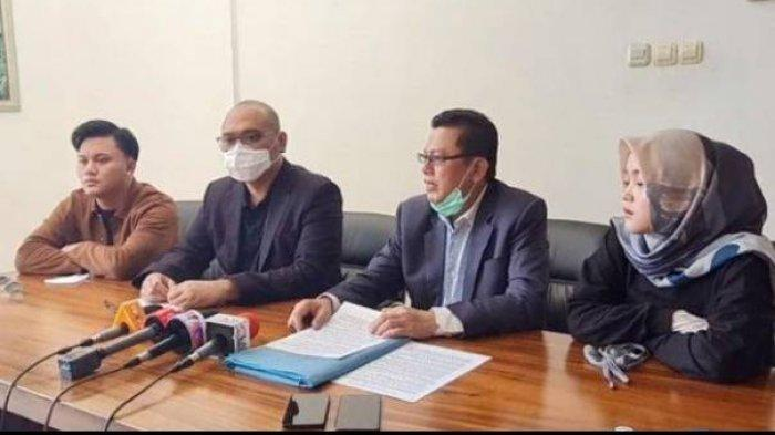 Konferensi pers kasus kisruh harta warisan Lina Jubaedah, Teddy vs Keluarga Sule