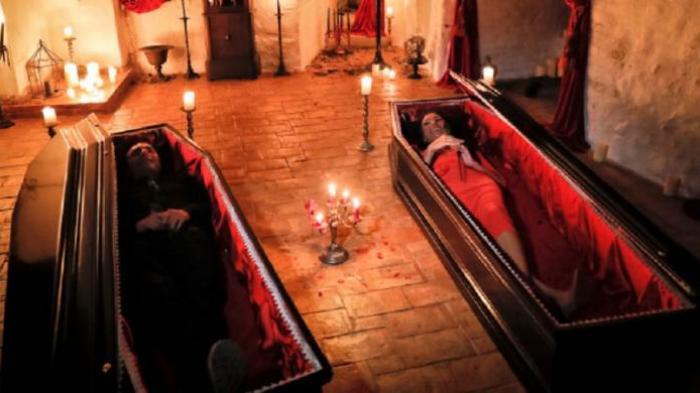 Sensasi Horor Rayakan Halloween dan Menginap di Kastril Dracula Rumania