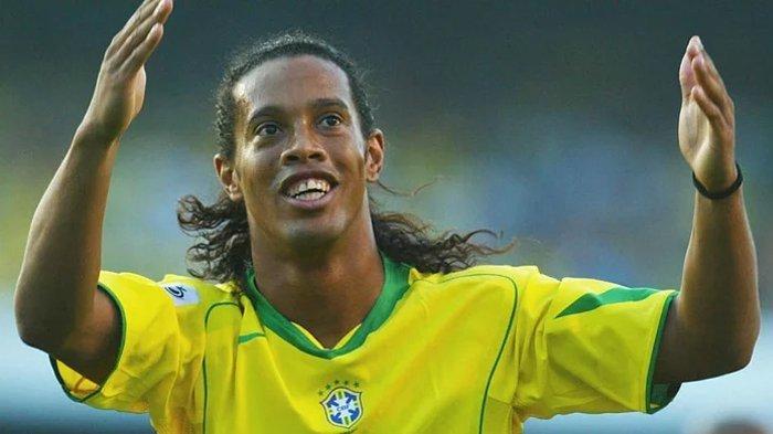 Ronaldinho Mantan Bintang Barcelona Bakal Tampil di Palembang. Berapa Bayarannya