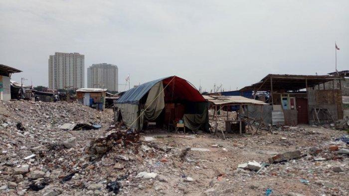 Yakin Anies-Sandi Tak Menggusur, Warga Pasar Ikan Dirikan Lagi Rumah Liar