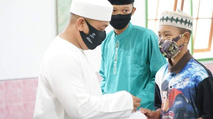 Safari Ramadhan Bupati Lingga dan Istri di Daik, Minta Warga Tak Abaikan Protkes
