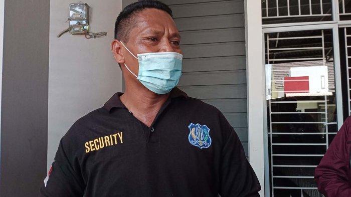 Sekuriti Perumahan Central Sukajadi Residence sekaligus saksi mata kebakaran di Batam, Franky.
