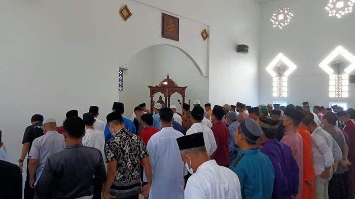 Angka Covid-19 Lingga Meningkat, Pemkab Minta Seluruh Masjid Gelar Salat Gaib