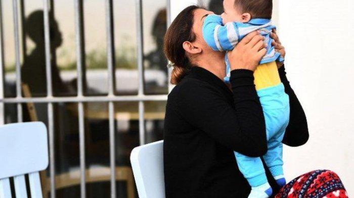 Kades Tersinggung Postingan Facebook, Ibu Muda Bersama Bayi 6 Bulan Masuk Penjara, Langgar UU ITE