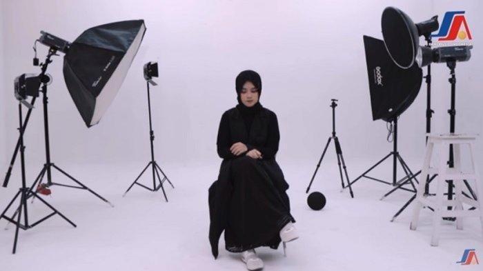 Beredar Video Mirip 'Sapu Jagat', Penyanyi Dibuat Persis dengan Nissa Sabyan, Ini Lirik Lagunya