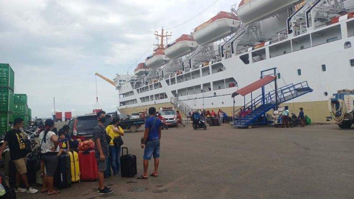 H-1 Larangan Mudik, 277 Penumpang KM Kelud Turun di Pelabuhan Batu Ampar Batam