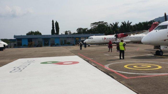 Pesawat Komersil Sudah Bisa Parkir Di Apron Bandara Matak
