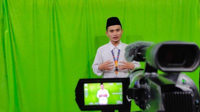 Sekolah Islam Hang Tuah Batam Beradaptasi Lewat Pembelajaran Video Bagi Siswa-Siswi di Masa Pandemi