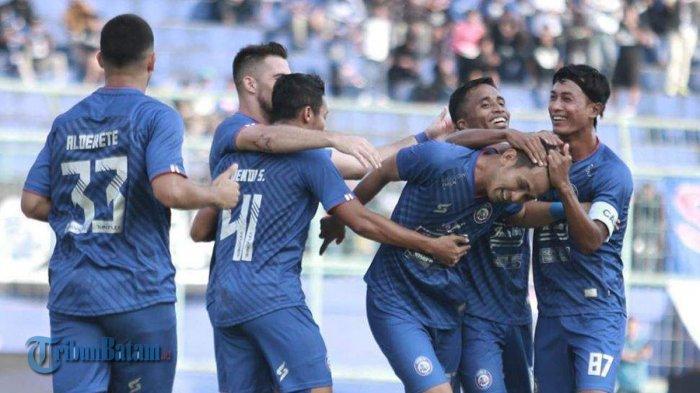 LIGA 1 2020 - Arema FC Tercatat Sebagai Tim Pengoleksi Kartu Terbanyak, 14 Kartu Dalam 3 Laga