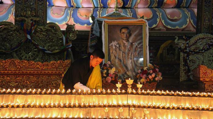 Proses Kremasi Jasad Bhumibol Adulyadej Dilakukan 26 Oktober 2017. Thailand Libur Nasional