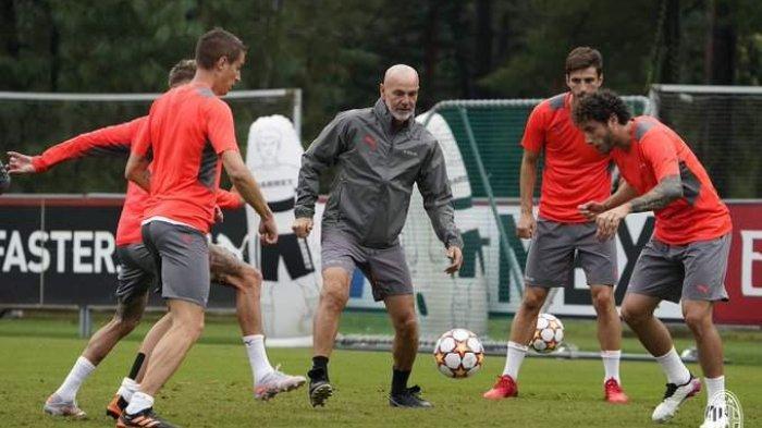 AC Milan saat latihan