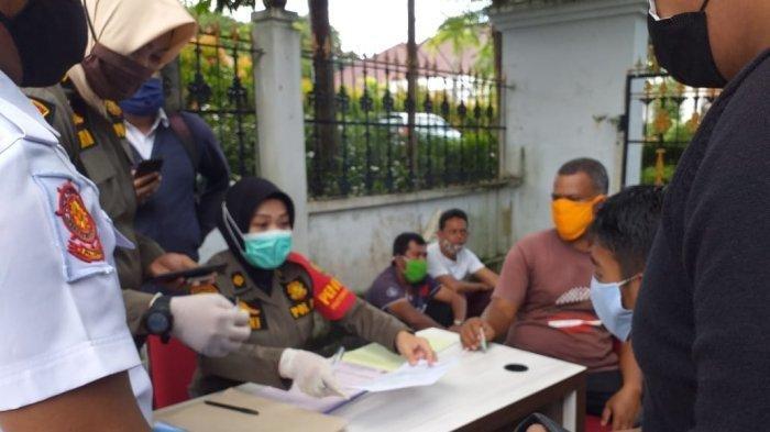 Setelah dua pegawai Pengadilan Negeri atau PN Tanjungpinang yang diketahui positif virus corona, hingga layanan di PN Tanjungpinang ditutup sementara, hal serupa juga terjadi di kantor Pemko Tanjungpinang, tepatnya di kantor Disnaker Tanjungpinang.
