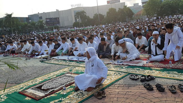 Bacaan Niat dan Tata Cara Sholat Idul Adha 1440 H / 2019, Serta Hukum & Waktu Melaksanakannya