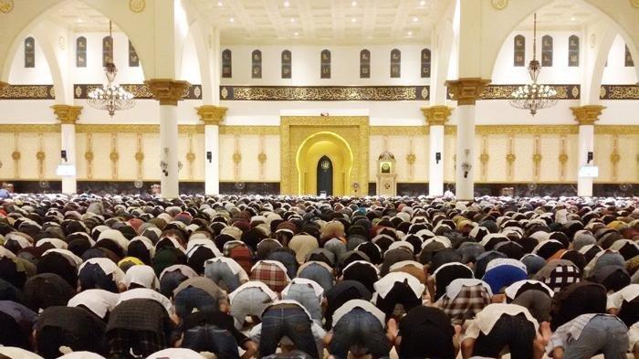 Ramadhan Tahun 2021 Ini, Umat Islam Diizinkan Salat Tarawih Berjamaah di Masjid