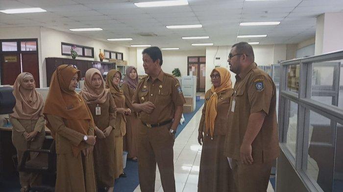 Breaking News, Wagub Kepri Sidak OPD pada Hari Pertama Masuk Kantor setelah Liburan Lebaran