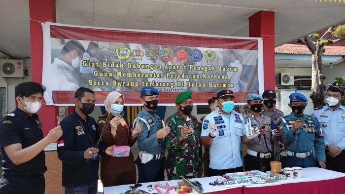 Tim gabungan sidak di Rutan Kelas II Tanjungbalai Karimun, Selasa (9/2).