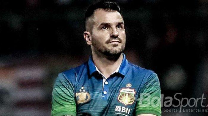 Gantikan Mario Gomez, Persib Bandung Disebut Mulai Cari Sosok Pelatih Baru. Benarkah Simon McMenemy?