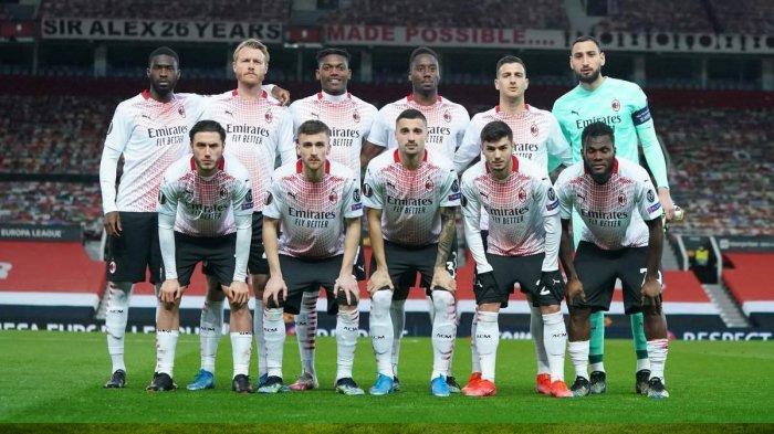 Skuad AC Milan saat menghadapi Manchester United di Old Trafford di leg 1 babak 16 besar Liga Europa 2020-2021