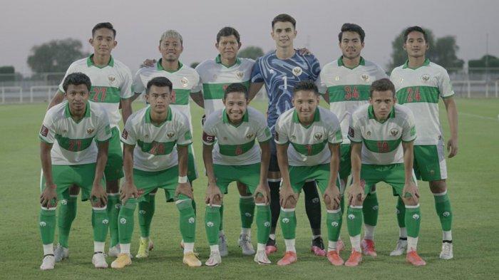 Skuad Timnas Indonesia saat melawan Oman, Sabtu (29/5/2021).
