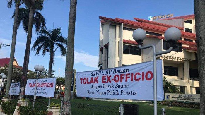 Spanduk Tolak Walikota Ex-Officio Terpasang di Sejumlah Aset BP Batam, Ini Reaksi Anggota DPRD Batam