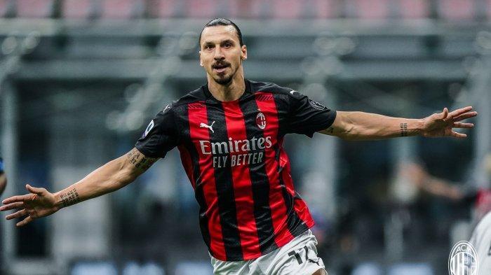Striker AC Milan asal Swedia, Zlatan Ibrahimovic mencetak 2 gol ke gawang Inter Milan