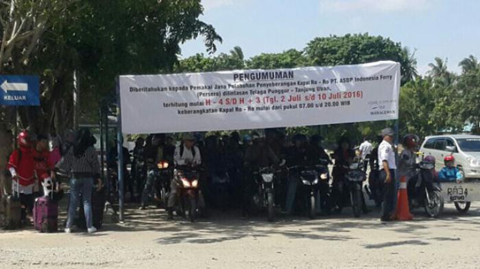 Penyebrangan Melalui ASDP Tanjunguban Terpantau Padat