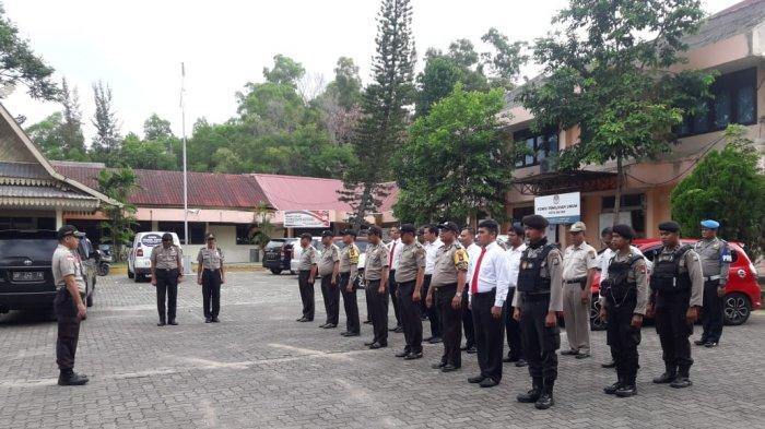 Puluhan Polisi Jaga Kantor KPU Kota Batam, Pastikan Situasi Tetap Kondusif