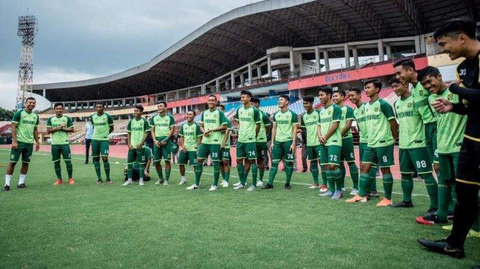Jelang Piala Dunia U-20 2021, Stadion Gelora Bung Tomo Ganti Rumput Berstandar FIFA