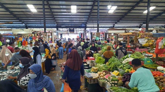 Kondisi Pasar Bintan Centre Tanjungpinang, Provinsi Kepri, Kamis (22/4/2021).