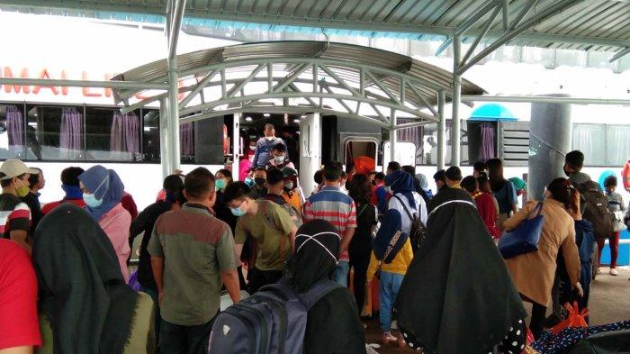 Jadwal Kapal Ferry Batam di Pelabuhan Domestik Sekupang Hari Ini Rabu 10 Maret 2021. Foto aktivitas di Pelabuhan Domestik Sekupang, Rabu (10/3/2021).
