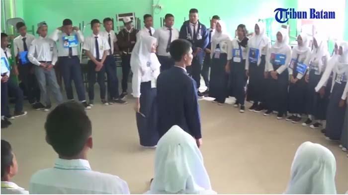 Bagaimana Prosedur Mendapatkan Dana Program Indonesia Pintar untuk Pelajar SMK?