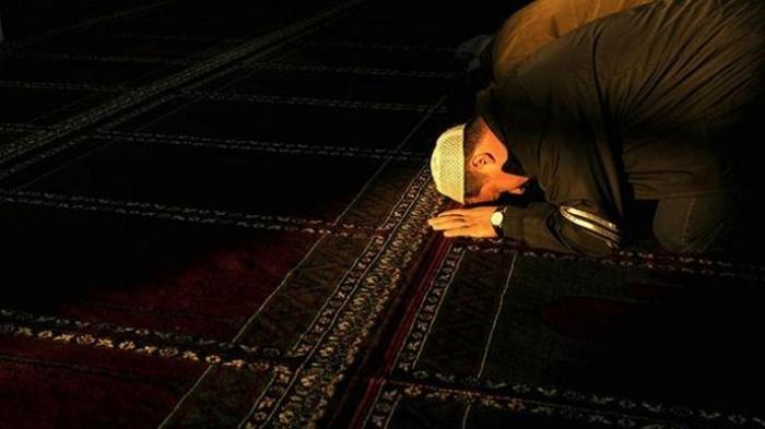 Tata Cara Sholat Tahajud di Bulan Ramadhan, Dilarang Dua Kali Tunaikan Salat Witir