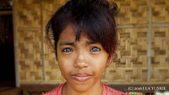 Inilah Suku Lingon! 'Bule' Asli Indonesia dengan Mata Biru dan Keberadaannya Misterius!