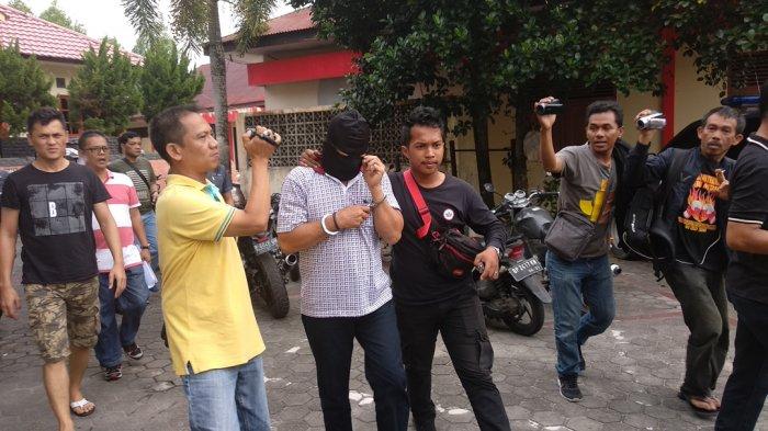 Kasus Mayat Mengapung di Tanjungpinang - Tersangka dan Supartini Kenal di Tempat Kerja