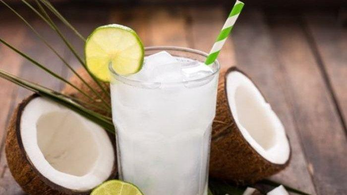 Catet, Inilah  Waktu Terbaik Minum Air Kelapa Agar Sukses Turunkan Berat Badan